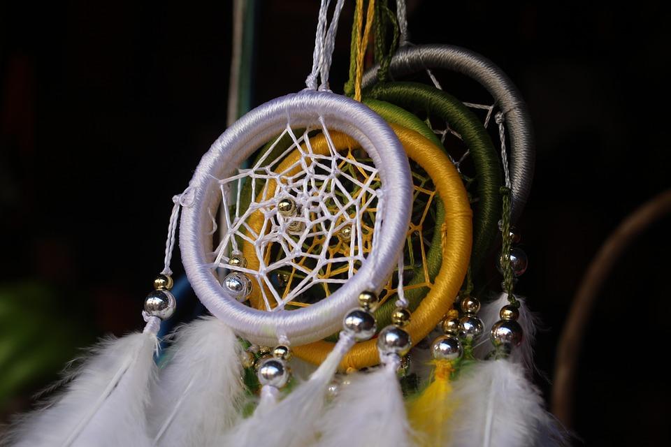 Amuletos de la suerte para los signos del zodiaco - Romper un plato trae mala suerte ...